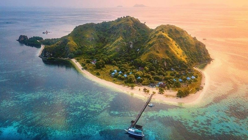 6 Hal yang Tidak Bisa dilewatkan Ketika Berkunjung ke Pulau Kanawa