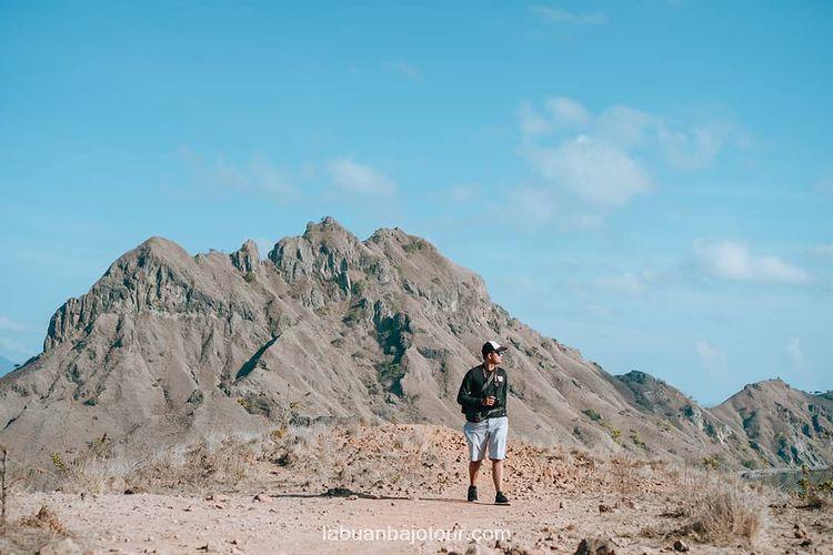 Foto keindahan pulau Padar di Labuan Bajo, ig labuanbajotour