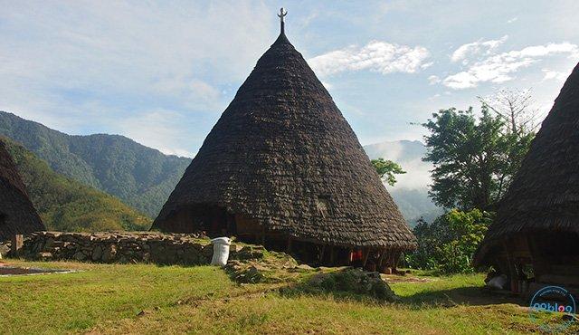 Mbaru Niang: Rumah Adat di Wae Rebo yang Unik